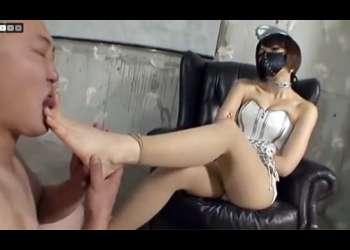 足技で責めるガチのドS女王様!むっちり太腿と美しいふくらはぎ!貴女の足の指を舐めさせていただきます!!