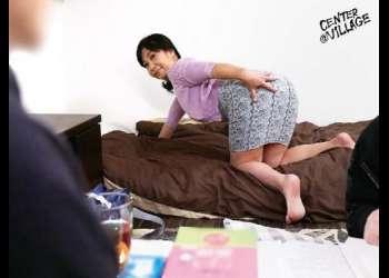 【人妻】清楚な人妻が欲求不満な秘部を愛撫されてデカ尻を剥かれて固いチンコを挿される!