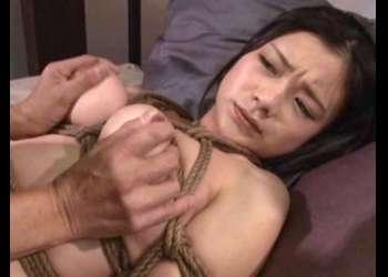 【緊縛】巨乳ボディを荒縄で縛られたアスリート美女が無防備なデカ尻を撫で回され鬼畜コーチに犯される!