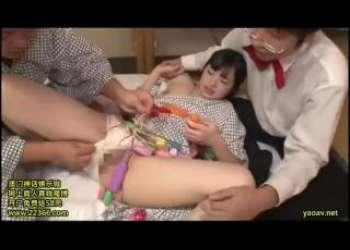 【素人】浴衣を着た美女たちが賞金目指して羞恥ツイスターゲームに挑戦!罰ゲームの陵辱お仕置きにドン引き!