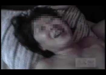 【個人撮影】ブサイクババァが浮気寝取られセックス!他人棒で突かれて最後は大量顔射!汚れた顔で嬉しそうに笑顔熟女!