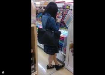 こっそり撮影奥さんあなたのおパンツ何色だい?