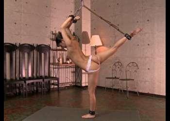 バレエの裏オークションへの参加。「アナルが使えること」だった。軟体セレブ令嬢を襲う肛門悲劇、その幕が今上がる!【2】