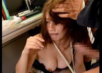 【寝取られ】人気キャスターの嫁が旦那のためにエロボディを差し出し凌辱されるエロドラマ!
