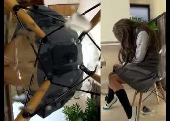 【おもらし】制服JKが椅子に座ったまま着衣失禁! スカートから染み出る大量のおしっこ!