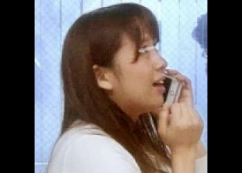 【熟女 不倫 寝取り】目の前の旦那と電話しながらセックスできたら賞金ゲット!!賞金の為にミラーの向こう側で寝取られセックスされる人妻www