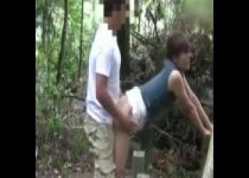 【個人撮影】素人不倫カップルの自作AV!!野外露出調教の後はこっそり隠れでバックでセックスww