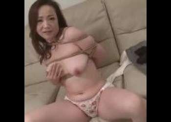 【南澤ゆりえ】人妻SM体験ドキュメント!!四十路で淫乱な美熟女奥さんが初めてのSM体験で悶絶!