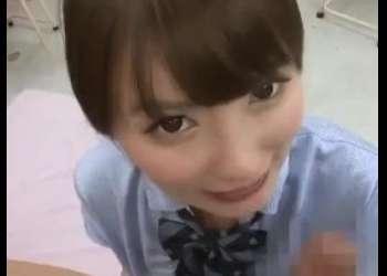 「中に出していいよ♡」痴女な女子高生が同級生と教室で3P!興奮確実な激エロ動画