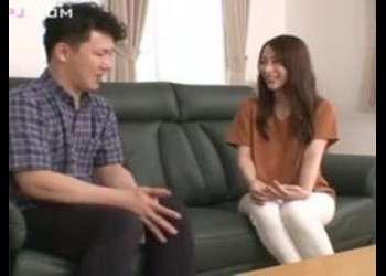 《ギリモザ×素人》『初めてなの?』きれいな三十路人妻が童貞男子をエロエロ誘惑!驚愕の神ビデオ