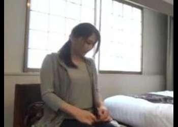 《美乳×エロ動画》『最近ご無沙汰なの♡』きれいな人妻をナンパして車でイチャつき寝取り!おすすめの作品