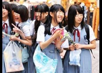 |田舎女子高生|修学旅行中の女子高生たちにエッチな指令!本当はエッチが好きなのに友達の前じゃ出せないよね!