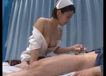 『気持ちいいですか?』制服姿の看護師さんが包茎男性の悩み相談!興奮確実な超絶エッチな動画