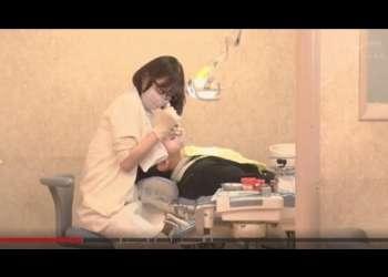【深田えいみ】美人歯科医のお姉さんにじっくりと乳首とおち○ぽを苛められちゃうwww