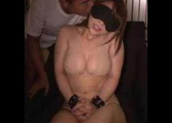 ドMな女の子を目隠し拘束で調教!性欲爆発確実な激エロ動画