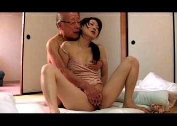 【ながえスタイル / NTR】伯父さんとのねっとりセックスにハマってしまう不倫妻