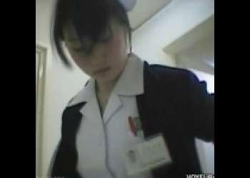 病院内のナースさんのシャワールームに盗撮カメラを仕掛けてナイスおっぱいを拝むw
