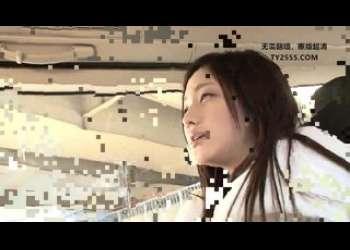 【桃谷エリカ】超特級レベルのスレンダー美脚美少女が素人男性ファンの家に行って手コキベロチューエッチしまくり