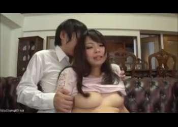 【水城奈緒】激ミニスカートパンチラ巨乳人妻に我慢できるはずもなく不倫してしまうのは当然