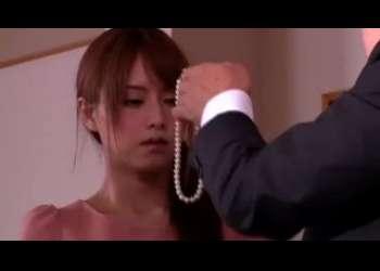 【吉沢明歩】スレンダー美脚でめっちゃエロい美人妻寝取られ不倫でヤラれまくりエロすぎ
