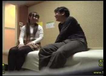(盗撮+のぞき)「絶対内緒ですからね♡」女子大生オナクラ嬢を口説いてファックできるかチャレンジ!シコシコ必須の映像