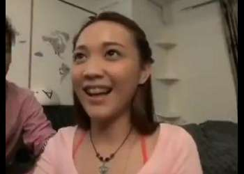 (ナンパ+美少女)街で見つけたロリ顔の外国人女性をバイブ責め!可愛い顔で感じまくりの美少女!おすすめの作品