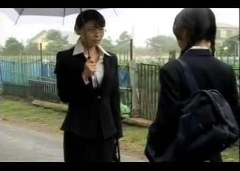 メガネの美人女教師が教え子のスレンダーで美乳のJK美少女と禁断のハードレズプレイ!相互ディルドで絶頂を繰り返す!