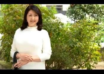 【初撮り】色白でムチムチなぽっちゃりで超乳の五十路高齢美熟女がAVデビュー!いきなり生ハメ中出し!