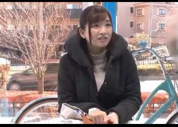 【マジックミラー号】【人妻ナンパ】おっとりした清楚で上品なマダムが自電車に乗りながら大量潮吹きおもらし!そのままNTRセックス!