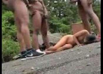 パイパン黒髪ロリ美少女JCが下校中、テラチンポ黒人集団に野外輪姦されるヤバイやつ!!