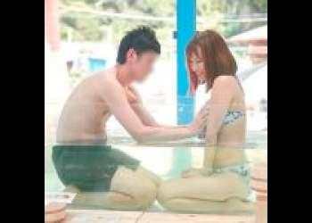 【モニタリング】『こらあ!ちょ…はっあっん♡』ビーチで見つけた巨乳女子大生と童貞くんが混浴風呂でボディタッチのエロ動画