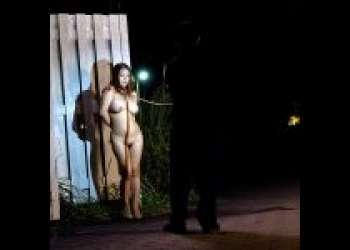 「感じてんだろ?」『ち、ちが…』爆乳ぽっちゃりな人妻の奥さんを縄で両手を拘束固定で全裸で放置プレイで痴女調教のエロ動画