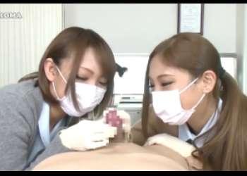 医療従事者のマスク美女二人に一物を弄ばれちゃう!