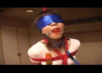 性奴隷にすべく、ぴちぴちのレオタードのお姉さんを縛り上げ、目隠し猿ぐつわの上性感調教を施す!