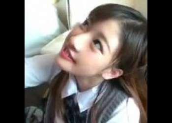 【辻倉あかり】高校卒業したばっかりのての18歳美少女がAVデビュー!先月まで女子校生だった変態ドMっ娘~初ごっくん!初顔射!しかも、初の中出し膣内射精まで!