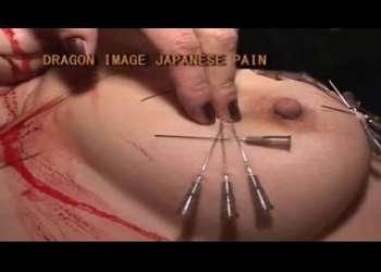 閲覧注意!ぷにぷにおっぱいに針が貫通!女が女を徹底レズSM拷問!