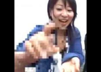 【赤面手コキ】「やだ、動いてるっ!」ひくつくチンコにドン引き!濃厚ザーメン大量発射!/素人AV出演/センズリ鑑賞