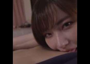 【深田えいみ】えっちなお姉さんが乳首舐めながらちんこしごいてくれる主観視点エロ動画♡【痴女】