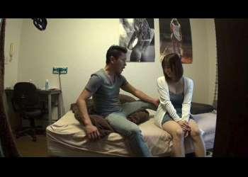 【素人ナンパ】パチ屋でバイトしている巨乳な女の子を部屋に連れ込んで中出しセックス!ムラムラが抑えられない即抜け映像