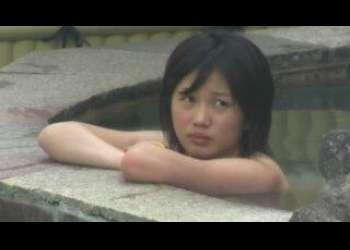 アイドルJCの露天風呂盗撮映像 成長しきっていないロリータボディを高画質で撮影 おっぱい、陰毛見れます