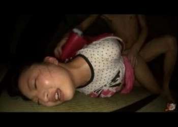 《幼女レイプ》※閲覧注意※ 犯される少女♥ロリ娘が監禁してレイプされる!《本物レイプ》