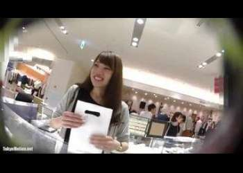 【HD盗撮動画】超SSS級美人ショップ店員さんのエッチなパンチラを盗撮した映像が激シコすぎる!