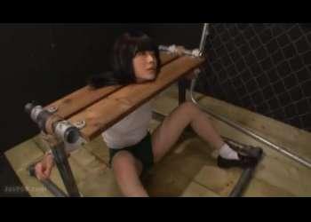 体操着に着替えて拷問器具に自らwwwフェラと電マで最高潮!