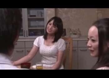 [安野由美]家に泊まりにきている義母がエロ過ぎるもんだから義理の息子は何だかムラムラしてkてますねえ…義母はどうやら欲求不満みたいだし