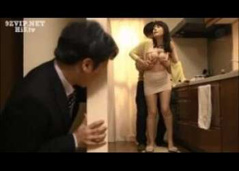 【三浦恵理子】家の中で母子相姦しまくっている母と息子…旦那が不審に思いいつもより早く家に帰るとそこにはあられもない二人の姿が