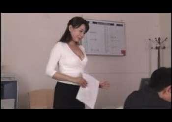 【三浦恵理子】会社の熟女上司が若手社員を喰っちゃってますよ♪目隠ししてフェラなんかしてマニアックなプレイしとるなあ