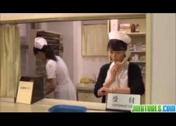 【三浦恵理子】看護婦長さん熟女がまさかの病院の先生の息子とエッチしてしまうハプニング…まあこんなにカワイイおばさんならねえ仕方ないわ