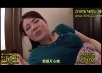 【三浦恵理子】露出狂淫乱熟女が訪問客を次々と悩殺して生おまんこをグショグショにして見せ付けて男を興奮させて喜んでる