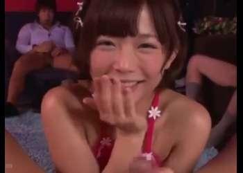 童顔ショートヘアーの美少女ピンサロ嬢がバキュームフェラからの特別メニューのベロチュー騎乗位やっちゃう!紗倉まな
