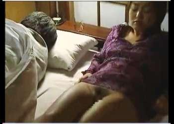 【ヘンリー塚本+夏海エリカ+熟女】旦那がしてくれない美人妻が不倫相手とセックスします【人妻+間男+エロドラマ】
